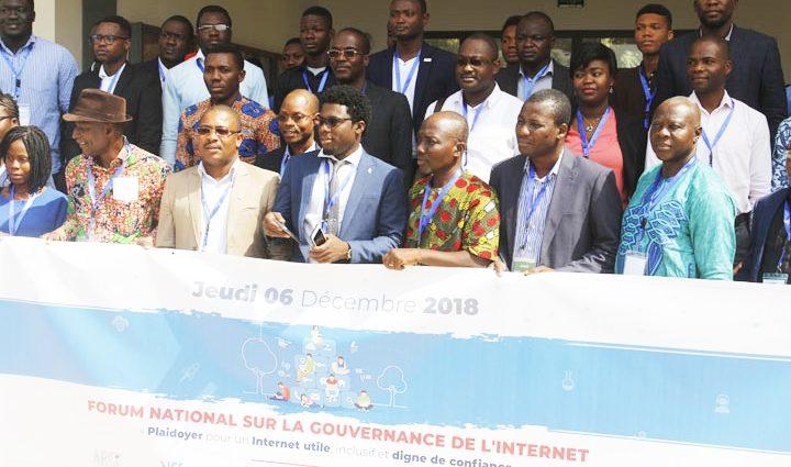 """Les """"civic tech"""", initiatives citoyennes sur internet et les réseaux sociaux, fleurissent en Afrique"""