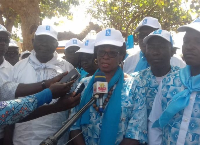 Apothéose de campagne électorale réussie pour la candidate et la liste UNIR dans la préfecture de Doufelgou.