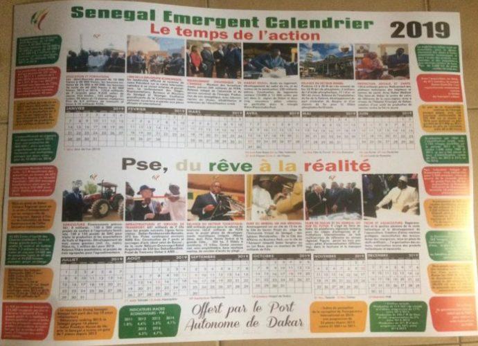 Insolite : Les calendriers 2019 à l'effigie de Macky Sall choquent la toile (02 photos)