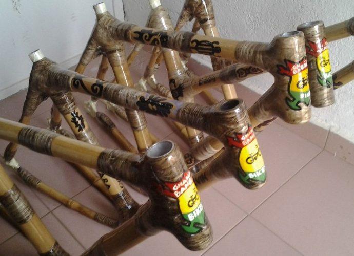 Au Ghana, des vélos écologiques et équitables en bambou