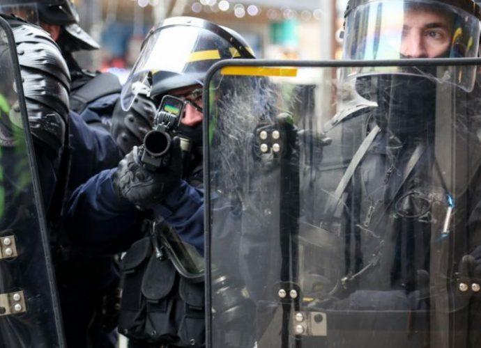 """David Dufresne : """"La police s'est enfermée dans une logique d'escalade et d'affrontement"""""""