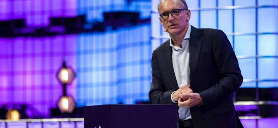 Tim Berners-Lee : « Le combat pour le web est une des plus importantes causes de notre époque »