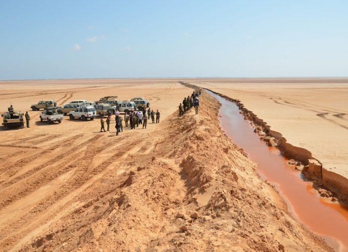 Treize diplomates français arrêtés avec des armes et munitions à la frontière entre la Tunisie et la Libye