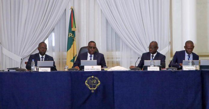 « Présentez-vous », ces ministres patinent devant Macky Sall !