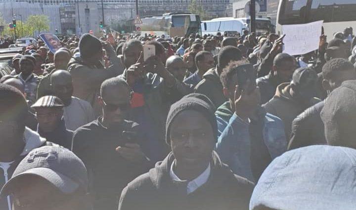 La diaspora africaine a marché contre les violences dans le centre Mali à Paris