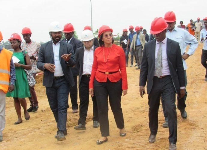Formation professionnelle : Madeleine Berre sur le chantier du centre de formation de Nkok