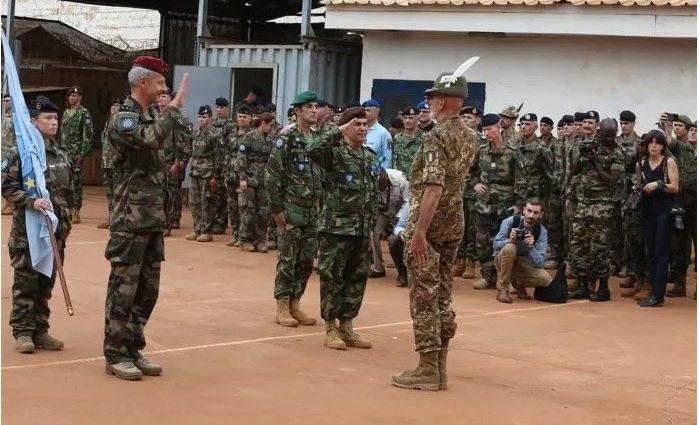 Centrafrique: la France prend la tête de la mission de l'EUTM