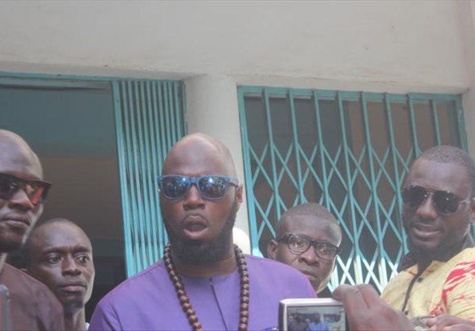 """L'activiste Franco-Béninois Panafricain Kemi Seba à IBK, lors de sa tournée au Mali """" Papa tu as trahi ta mission et il n'est pas trop tard pour changer mais prends tes responsabilités """""""