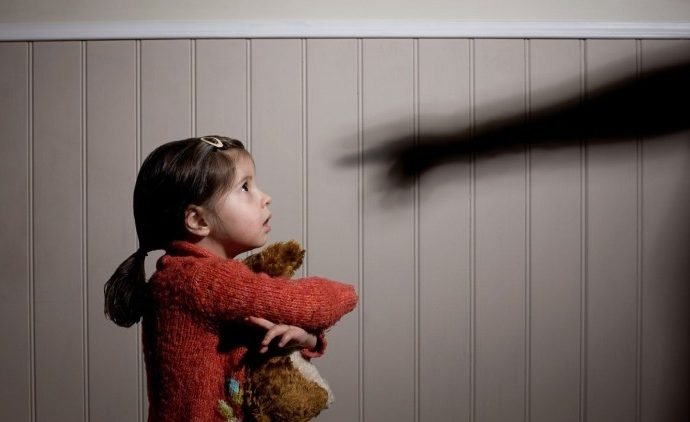 Une Marocaine surprend son mari en train de violer sa fille