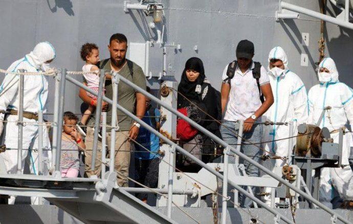 Des milliers de Marocains sans papiers pourraient être expulsés de l'Italie