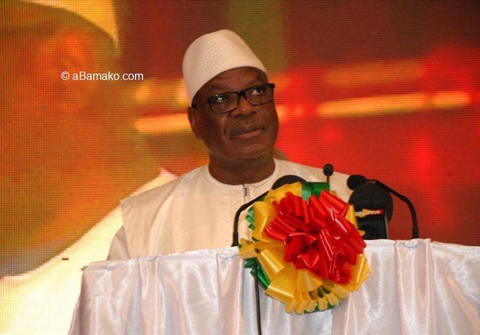 """Mali: le président qualifie """"d'élucubrations"""" les spéculations sur un putsch"""