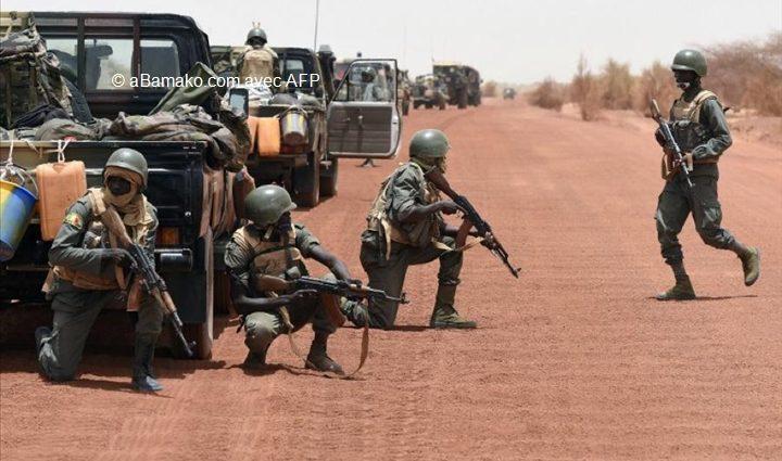 Mali: le groupe EI revendique l'attaque du camp militaire d'Indelimane