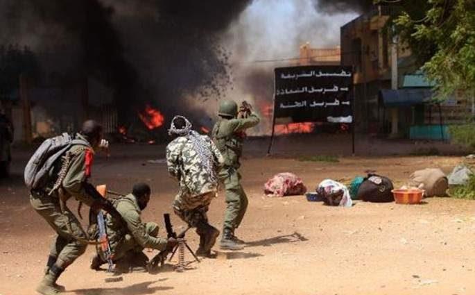 Mali : 54 morts dans une attaque terroriste contre une base militaire