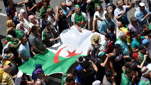 Présidentielle en Algérie : 5 candidats sur 23 ont été retenus