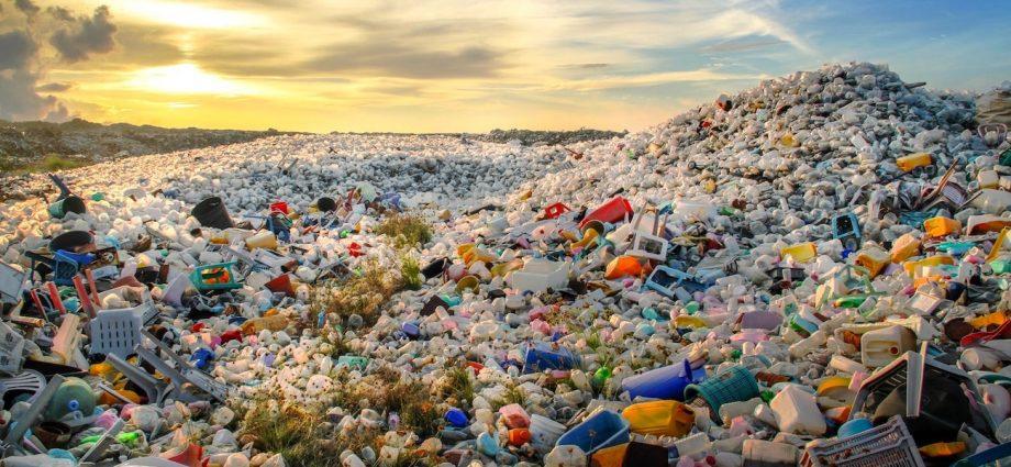 Le soleil transforme le plastique en énergie