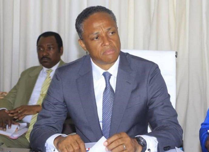 Afrique Gabon : brouille entre le ministre des Sports et les clubs de foot