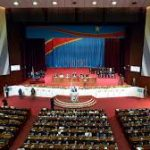 RDC: appel à réduire le train de vie des institutions pour financer la réponse au coronavirus