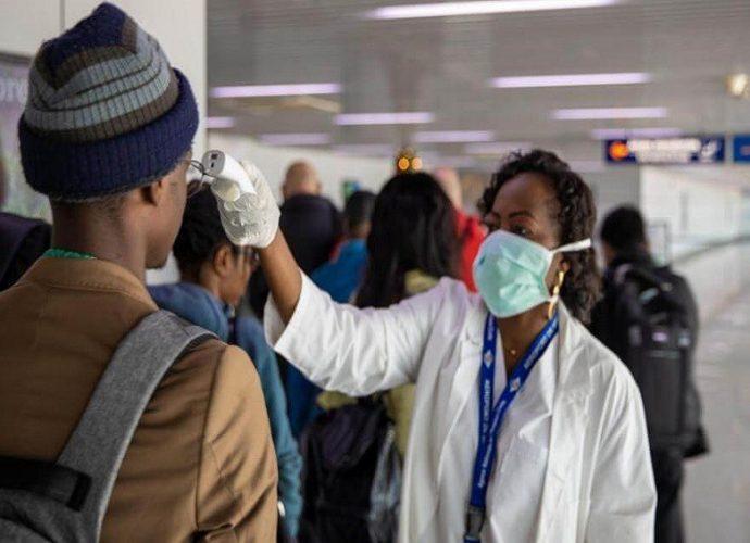 Gabon / Jessye Ella Ekogha : Pour les masques artisanaux qui protègent