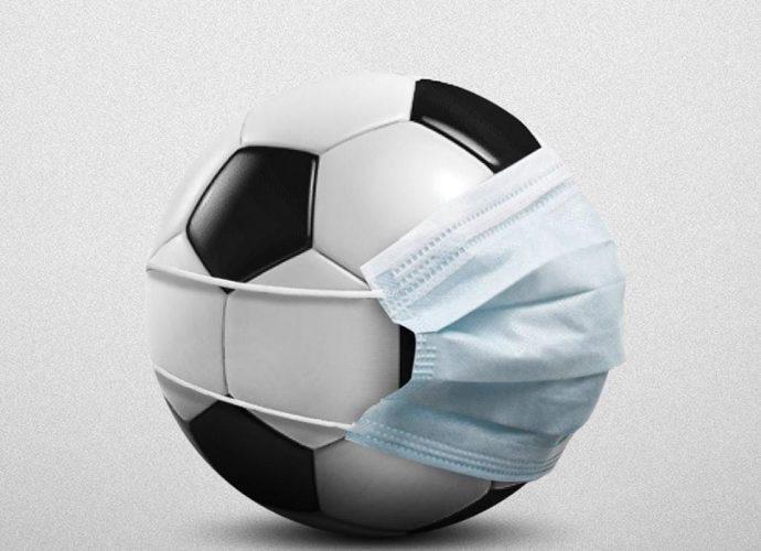 Afrique Coronavirus : Confinés, des Jeunes jouent au football… sur le toit