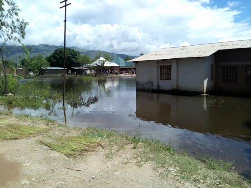 Uvira : l'UNICEF et ses partenaires apportent une aide à plus de 100 000 personnes touchées par de graves inondations