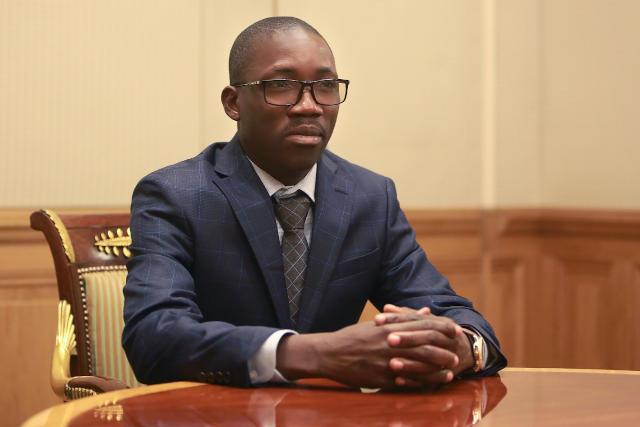 Togo : Noel Bataka s'amuse avec les milliards de l'Etat