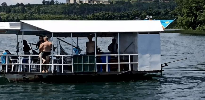 RDC: un bateau où des jeunes faisaient la fête chavire, cinq morts