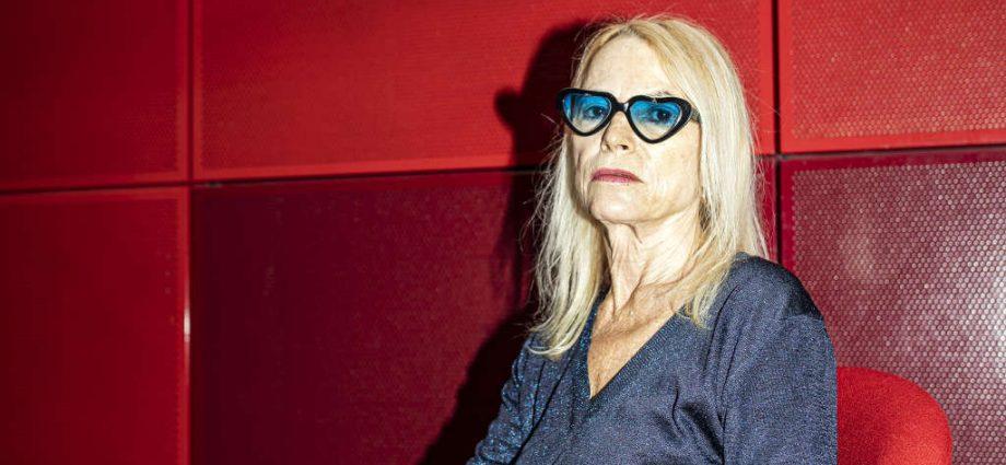 Laure Adler : « Les vieux deviennent des denrées périmées aux yeux des jeunes »