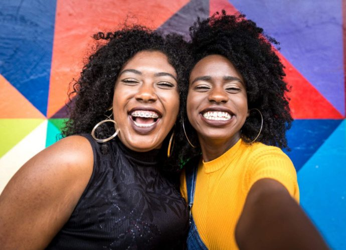 YouTube : 55,6 milliards FCFA pour la création de contenus sur les Noirs