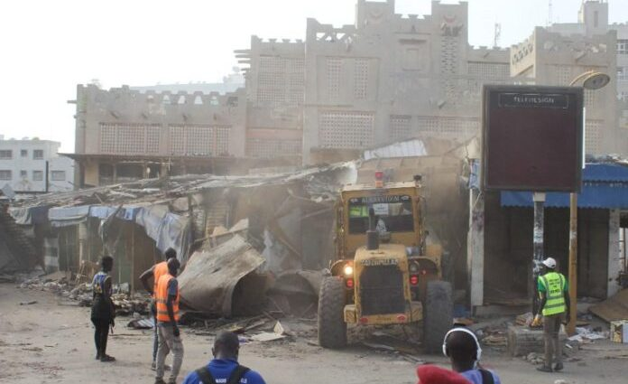 Sandaga démoli, les images de la chute d'un lieu historique de Dakar (photos)