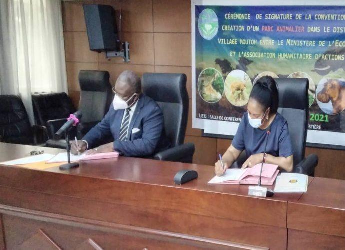 Congo/Économie Forestière : Signature d'une convention pour la création d'un parc animalier au village Moutoh